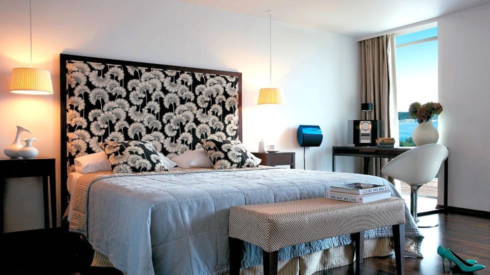 Premium-deluxe-guestroom
