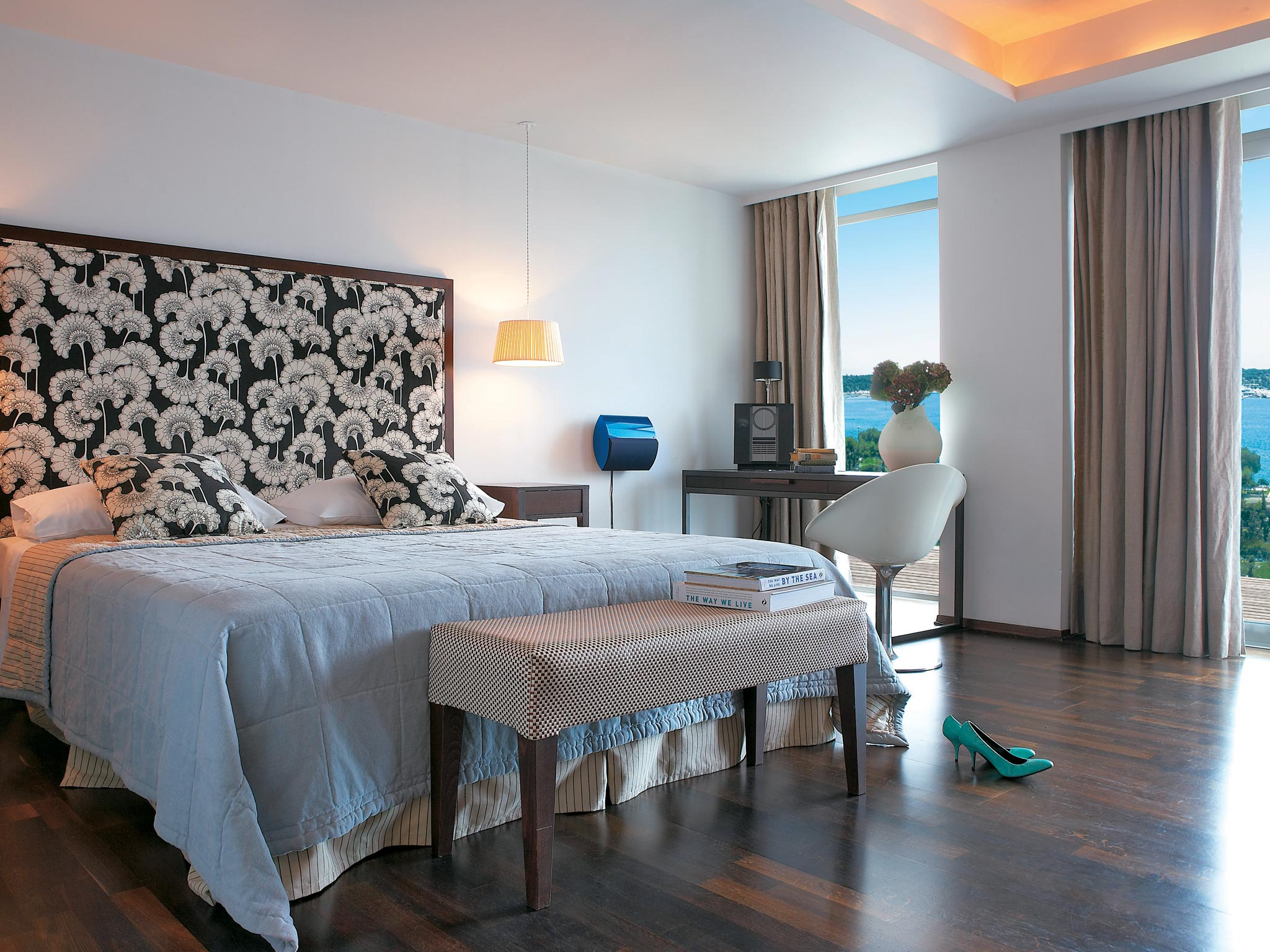 deluxe-guestrooms-athens