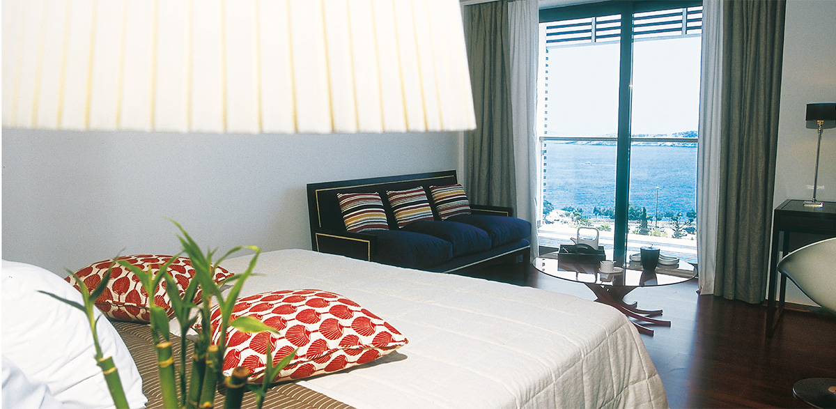Vouliagmeni-Suites-Grecotel-Boutique-Hotel-Sea-View-Deluxe-Accommodation-Blue