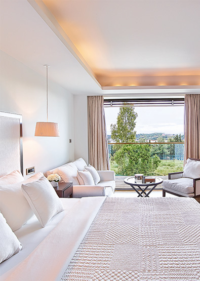 Vouliagmeni-Suites-Sea-View-Junior-Suite