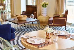 07-vouliagmeni-suites-hotel-dining-area