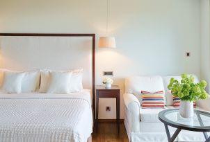 11-junior-suite-vouliagmeni-suites-hotel