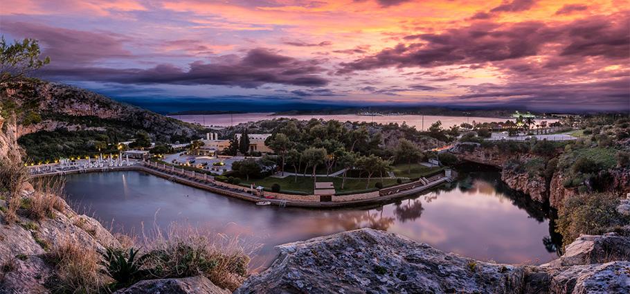 4-Vouliagmeni-Suites-Lake-Riviera-Dreamy-Landscape_Twilight